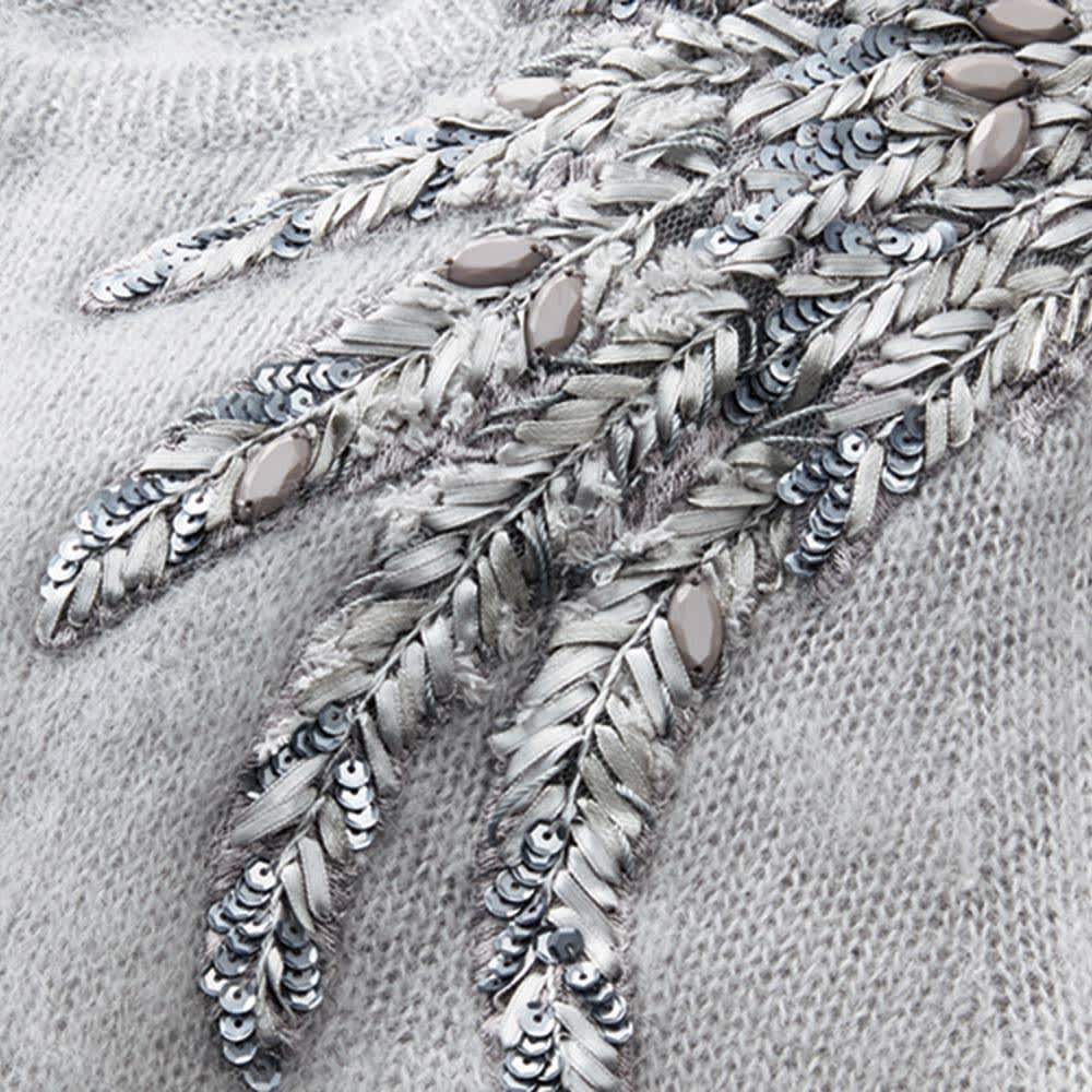 リボン刺繍 モヘヤ混 プルオーバー (ア)ペールグレー系 生地アップ