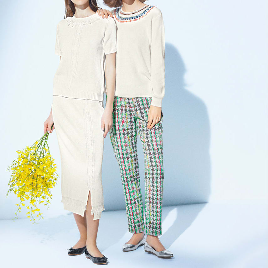 ビジュー刺繍 ニットプルオーバー (右)ビジュー刺繍 ニットプルオーバー ビーズ使いで上品ホワイトをアップデート コーディネート例