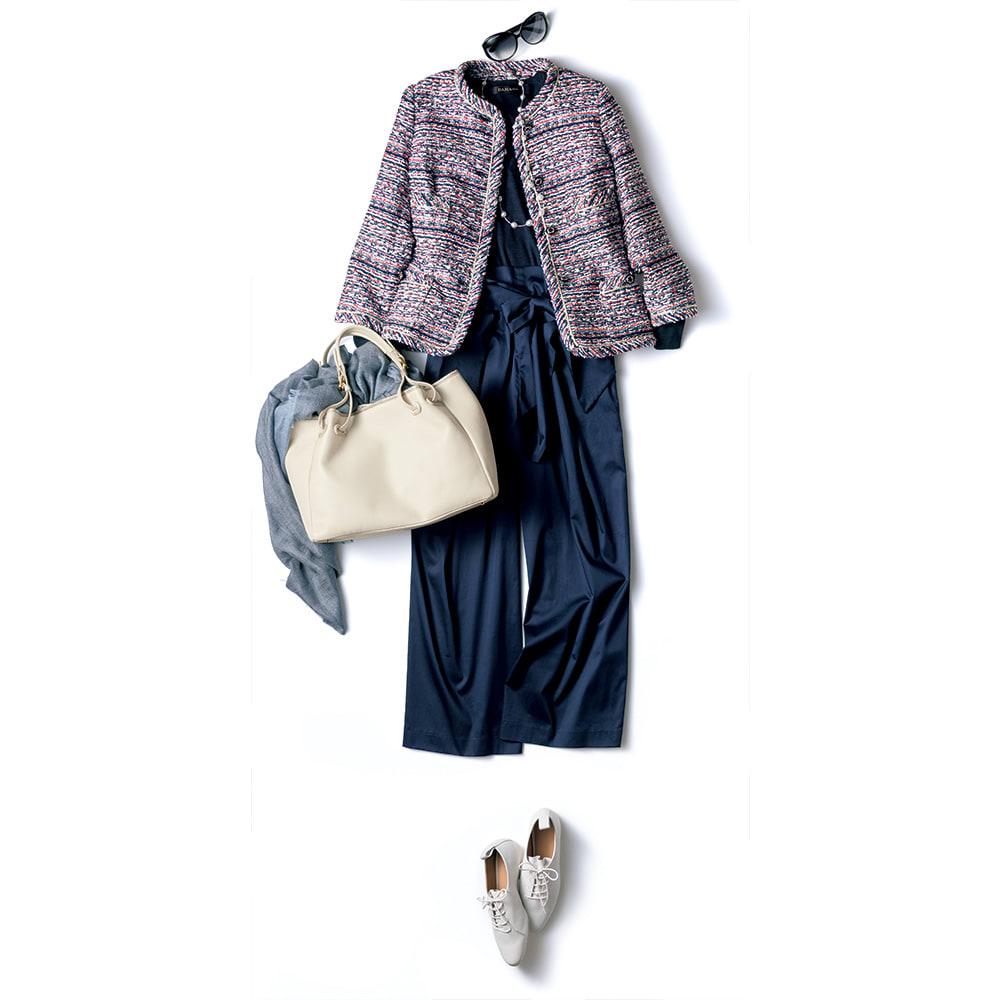 マリア・ケント社 ファンシーツイード トリコロールカラー ジャケット コーディネート例 /ネイビーのリボン付きパンツと白の小物で、爽やかなリッチカジュアル・スタイルに。高級感がありつつ、デニムパンツと合わせても好相性な汎用性にも秀れた逸品。