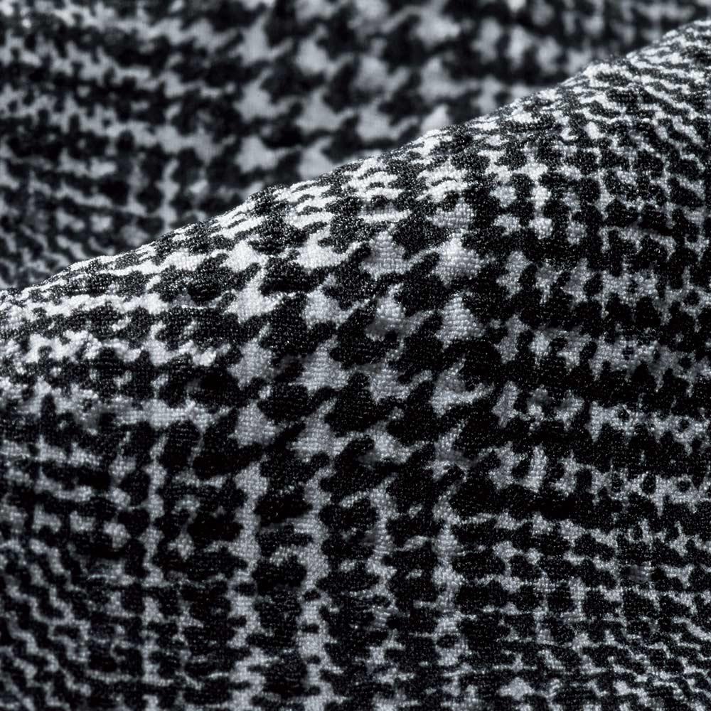 (股下丈68cm) 吸汗速乾 サッカー チェックプリント パンツ (ア)グレー系 生地アップ
