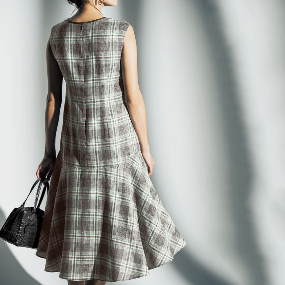 リネン混先染めチェック 裾フレアワンピース コーディネート例