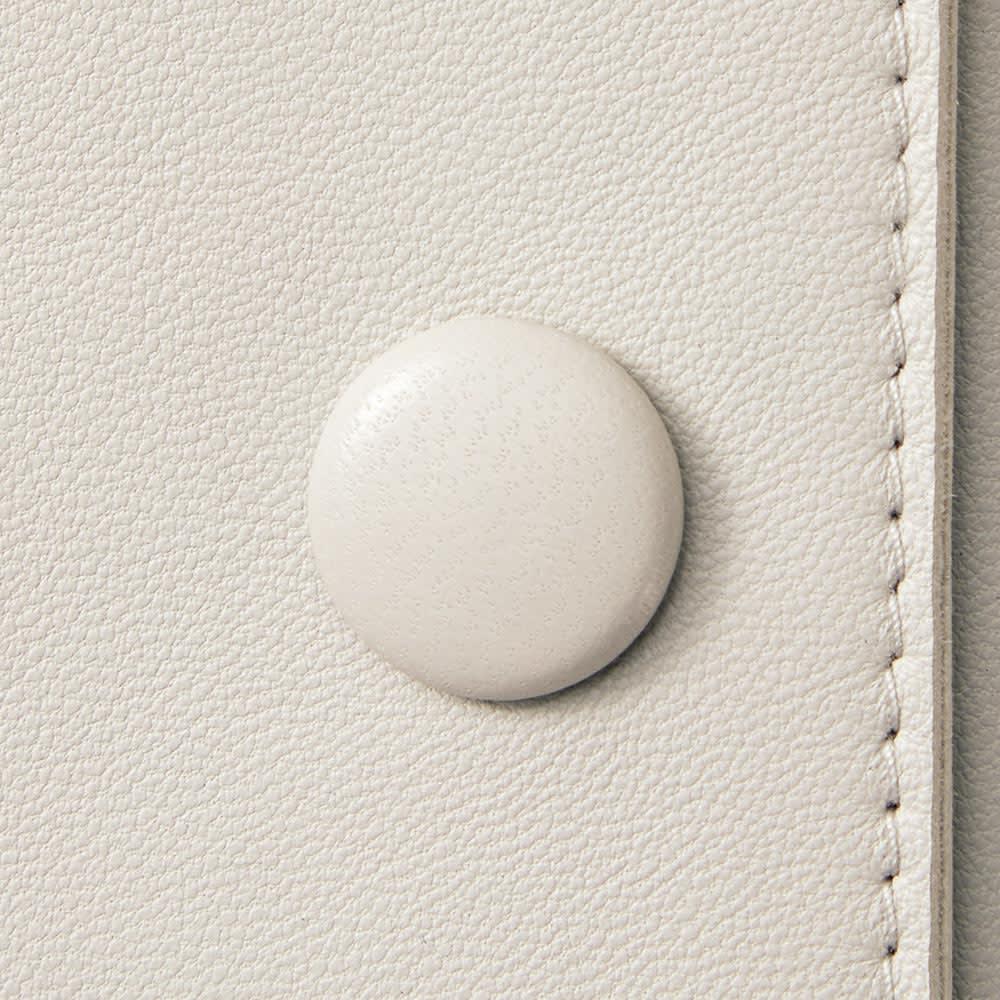 イタリアンラムレザー ショートジャケット ボタン部分