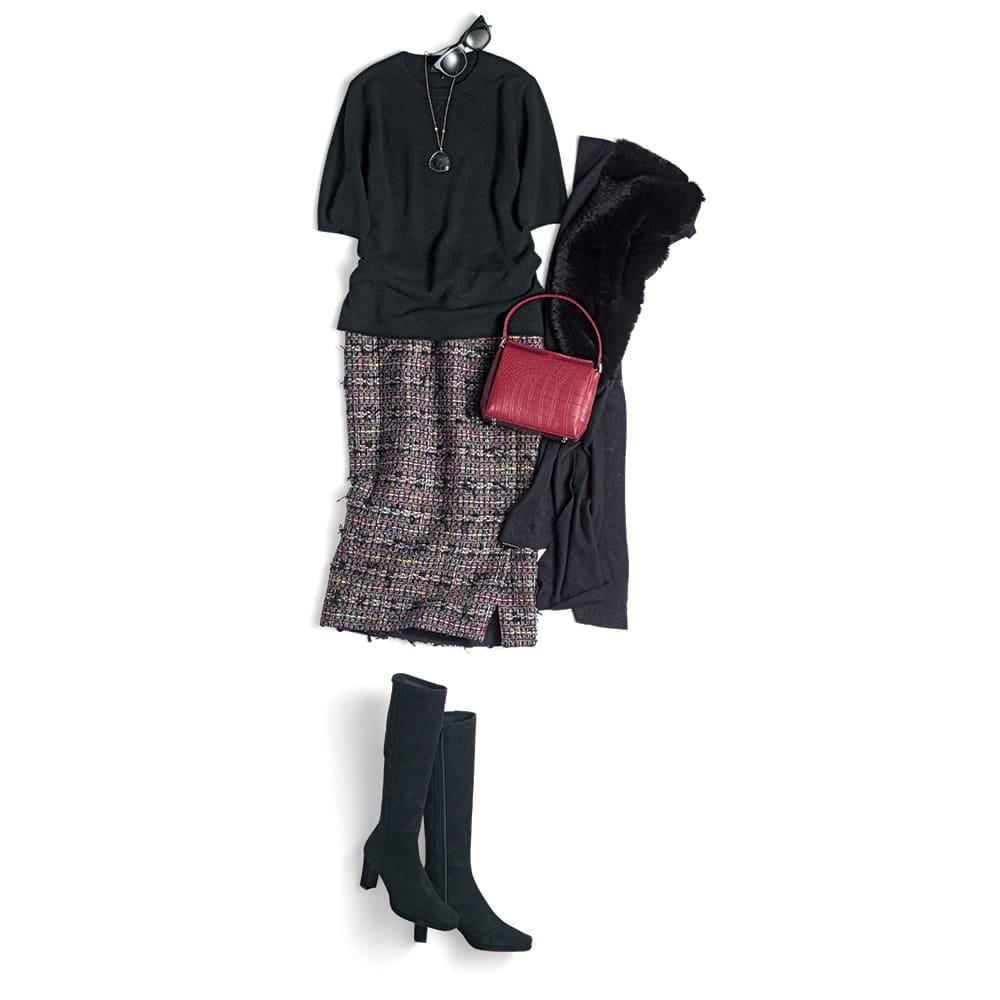 マリア・ケント社 リボンツイード スカート【2点以上で10%OFF】 コーディネート例 /黒で引き締めた組み合わせ。小物もツイードの中の色をアクセントに使うのがポイント。アクセサリーは遊び心を感じさせるストーン使いのペンダントをセレクト。