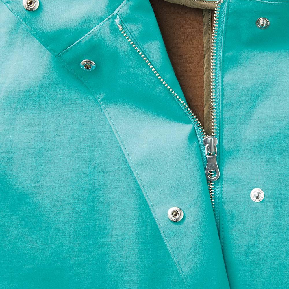 撥水加工 三層ボンディング フーデッド コート 隠しボタンとファスナー部分