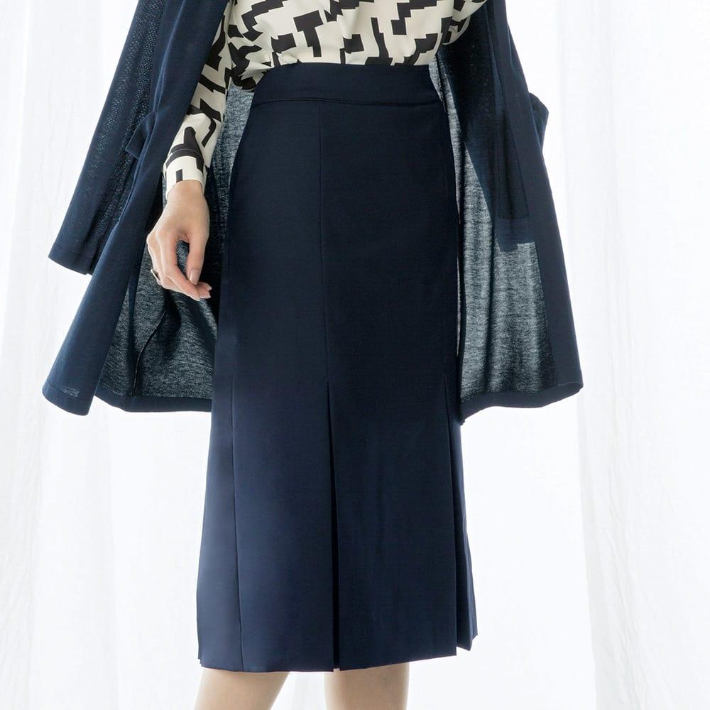 ウール混 ドビー タックデザイン スカート 着用例