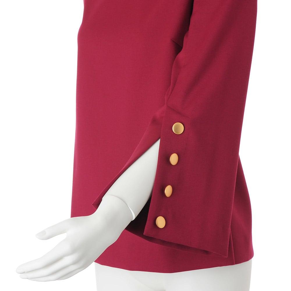 ボタンディテール フレアースリーブ プルオーバー 袖口ベント仕様・飾りボタン4個付き
