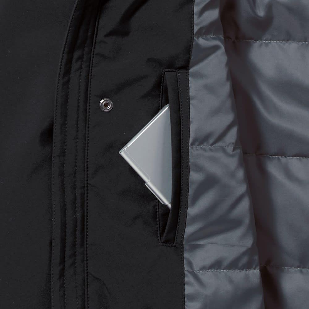 高フィルパワーダウンコート(サイズS) 内側は胸元にもポケットがあり、フロントと合わせると合計8個という抜群の収納力。