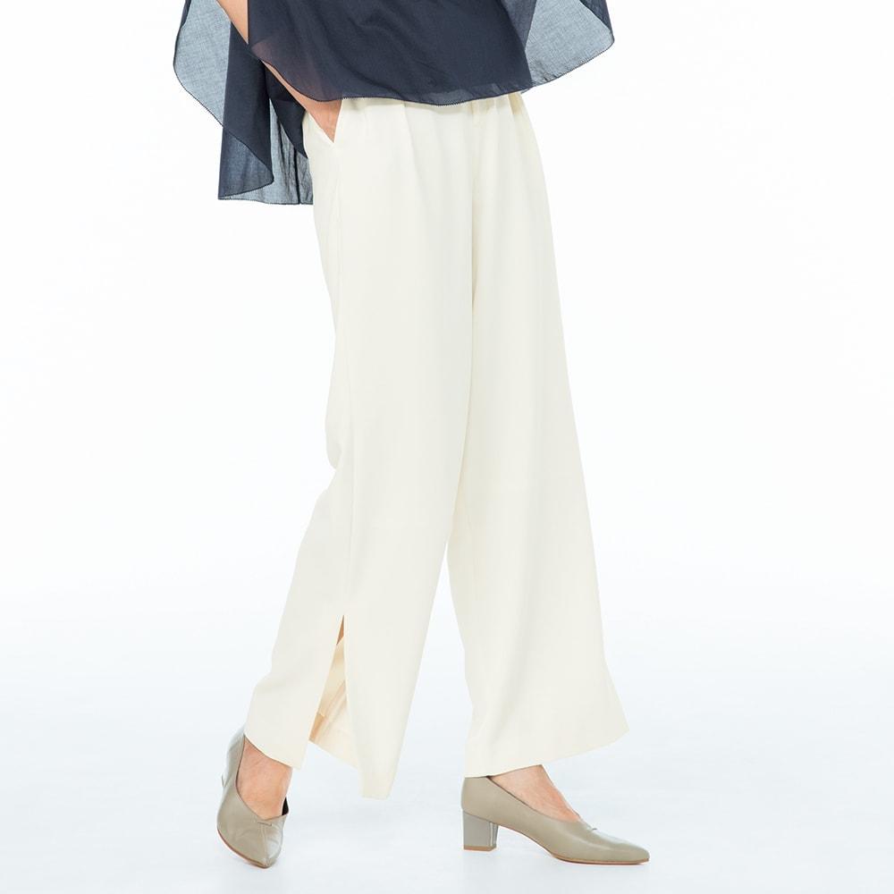 (股下丈68cm)スリットデザイン タックパンツ (ア)オフホワイト 着用例
