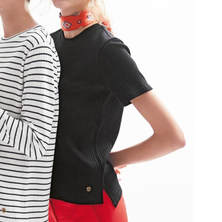 超長綿スビンギザコットン ワイドリブTシャツ (右)超長綿スビンギザコットン ワイドリブTシャツ (オ)ブラック 着用例