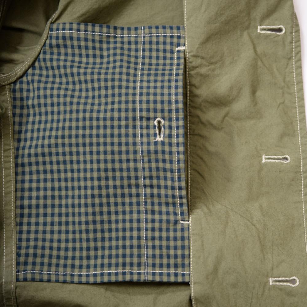 製品染めシリーズ ジャケット スマホなども入る大きめの内ポケットつき。ギンガムチェック柄でさりげないポイントに。