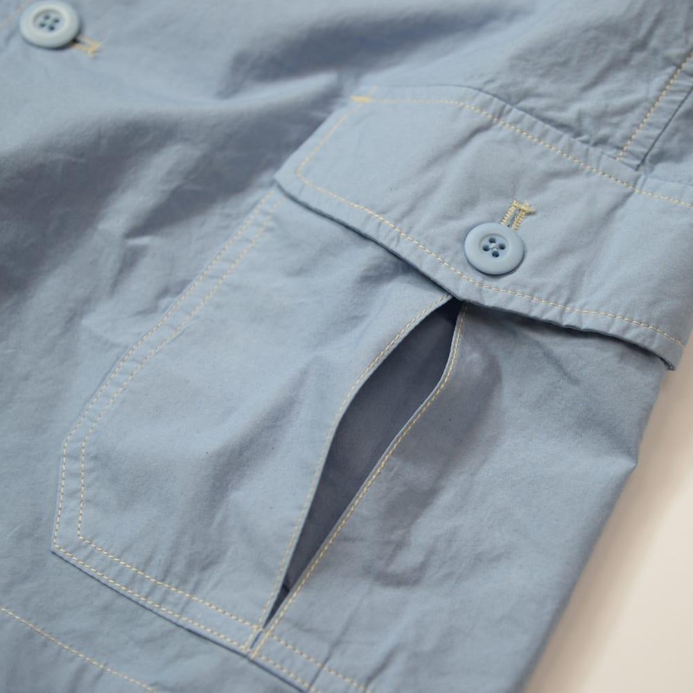 製品染めシリーズ ジャケット ジャケットが仕上がった状態で染めるため、自然にムラ感が生まれ、カジュアルな雰囲気に。