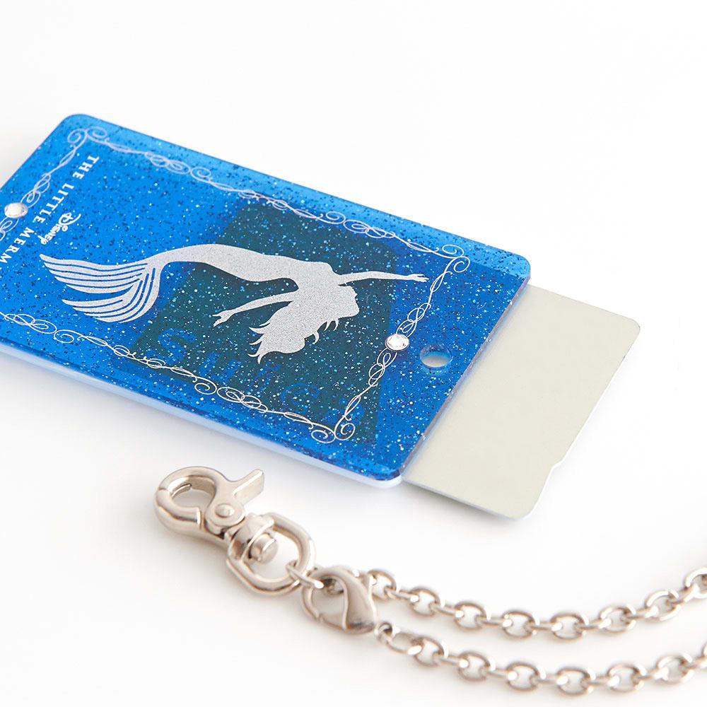 リトルマーメイド/アリエル アクリルパスケース|ディズニー ミュージカル チェーンを外してカードをお入れください。