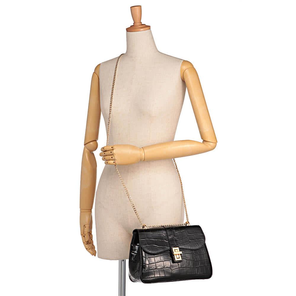 クラウディア クロコ型押し チェーンバッグ(イタリア製) 着用例