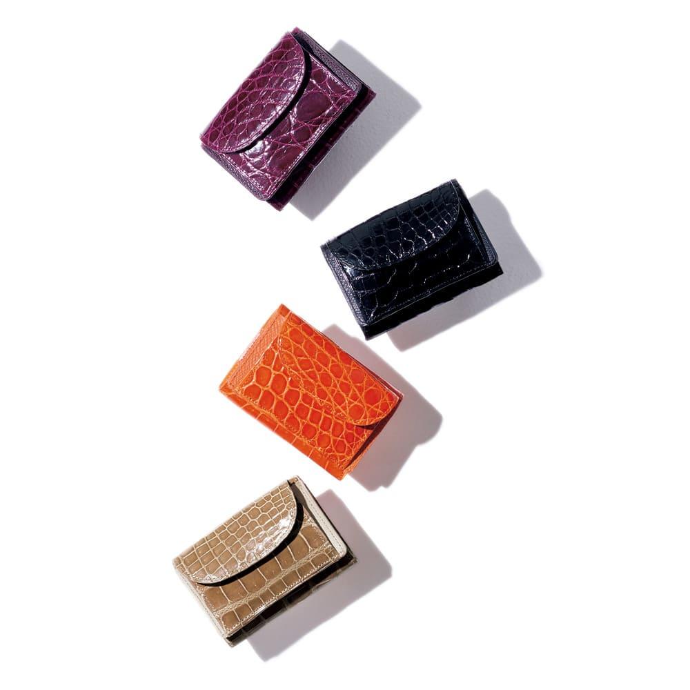 クロコダイル コンパクト 三つ折り財布 上から (ウ)ワイン (ア)ブラック (エ)オレンジ (イ)キャメルベージュ