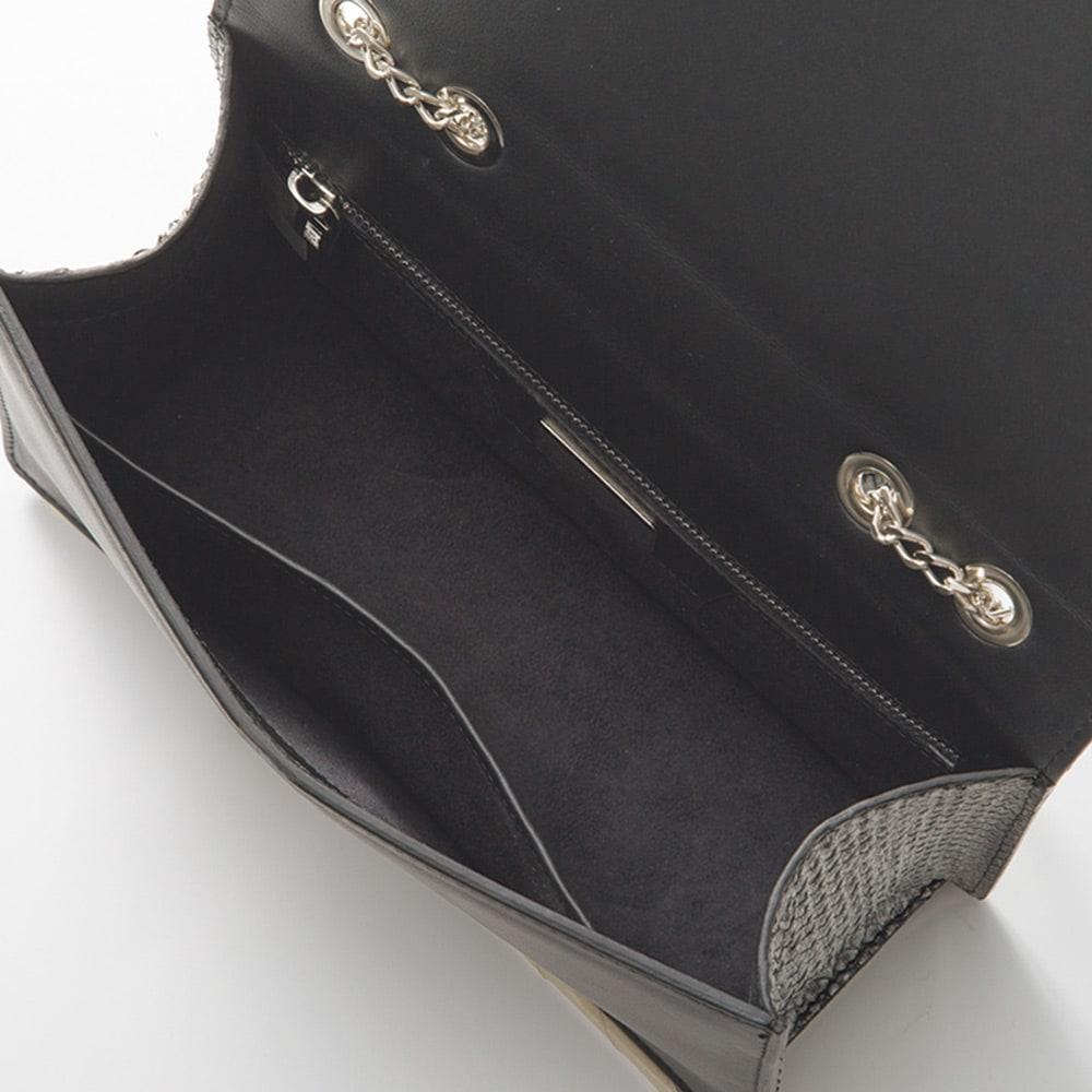 SILVANO BIAGINI/シルバーノビアジーニ ビジュー使いパイソン チェーンバッグ(イタリア製) INSIDE