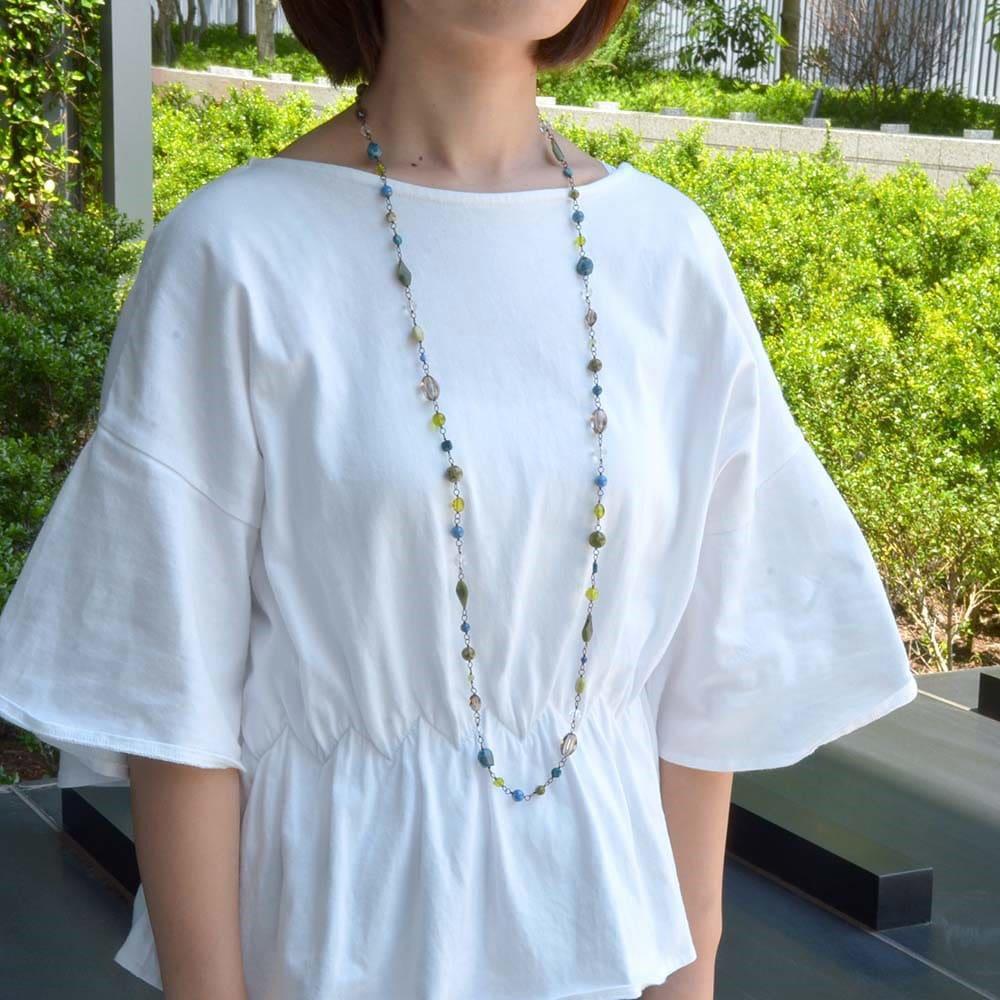YUKIKO OKURA/ユキコ・オオクラ ブルーグリーン ネックレス 着用例