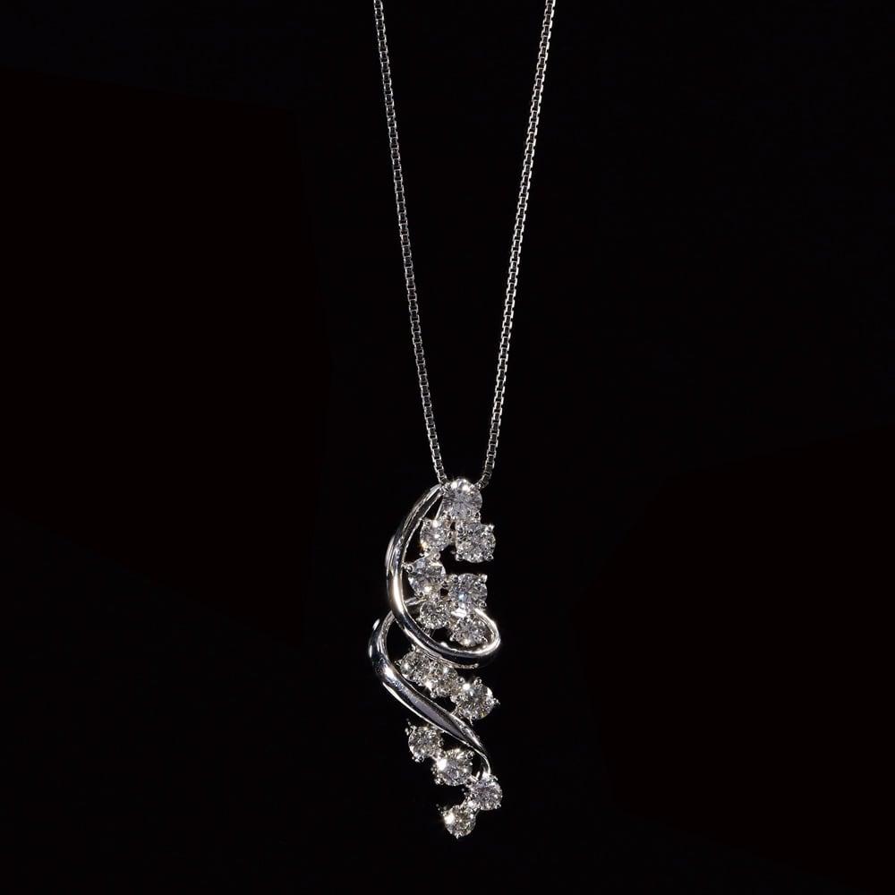 K18WG 1.0ctダイヤ デザインペンダント