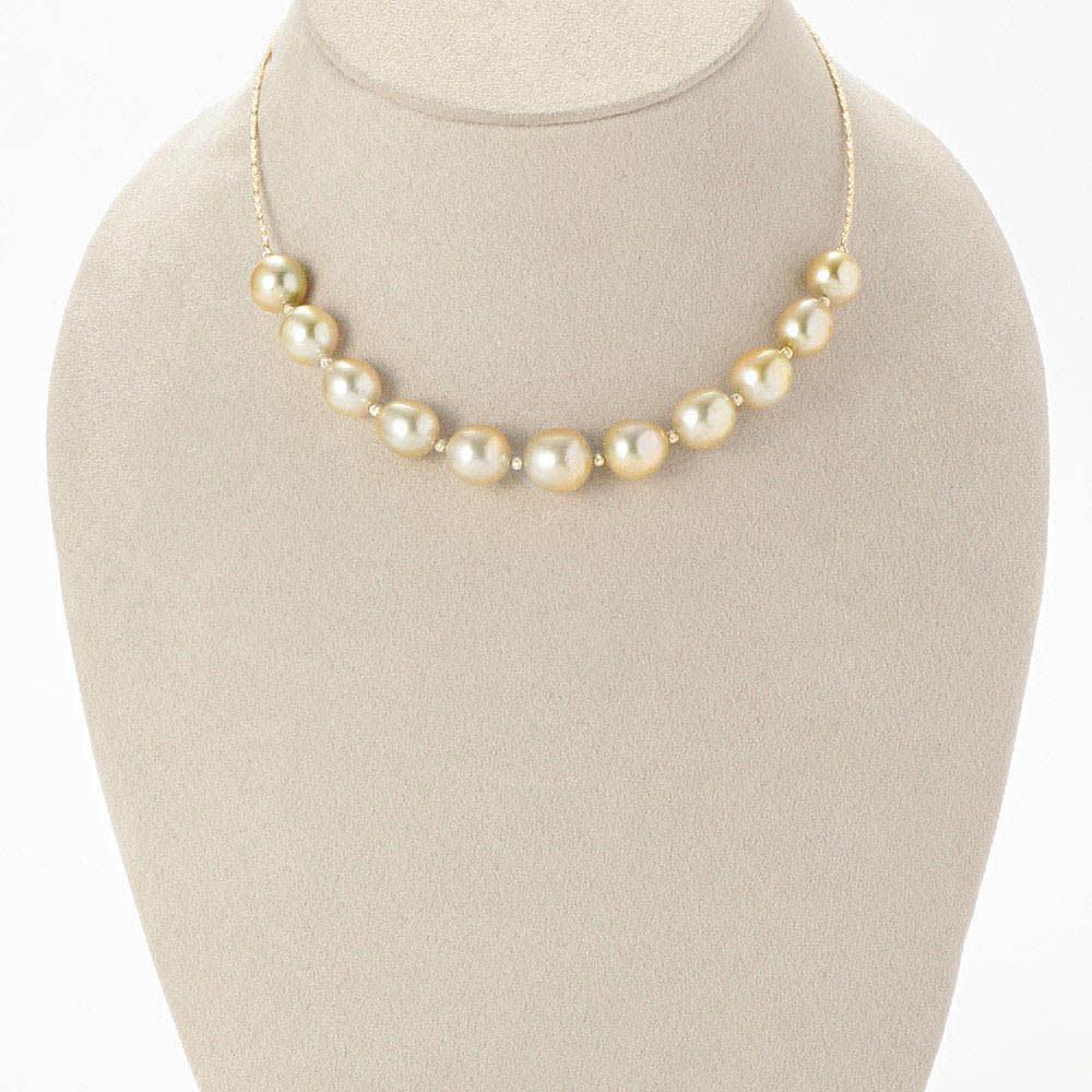 K18 ゴールドパール 2点セット(ネックレス+イヤリング・ピアス) ネックレス 着用例
