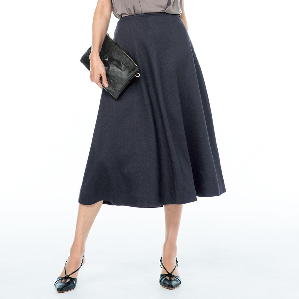 イタリア素材 リネン混ツイル フレアースカート 着用例
