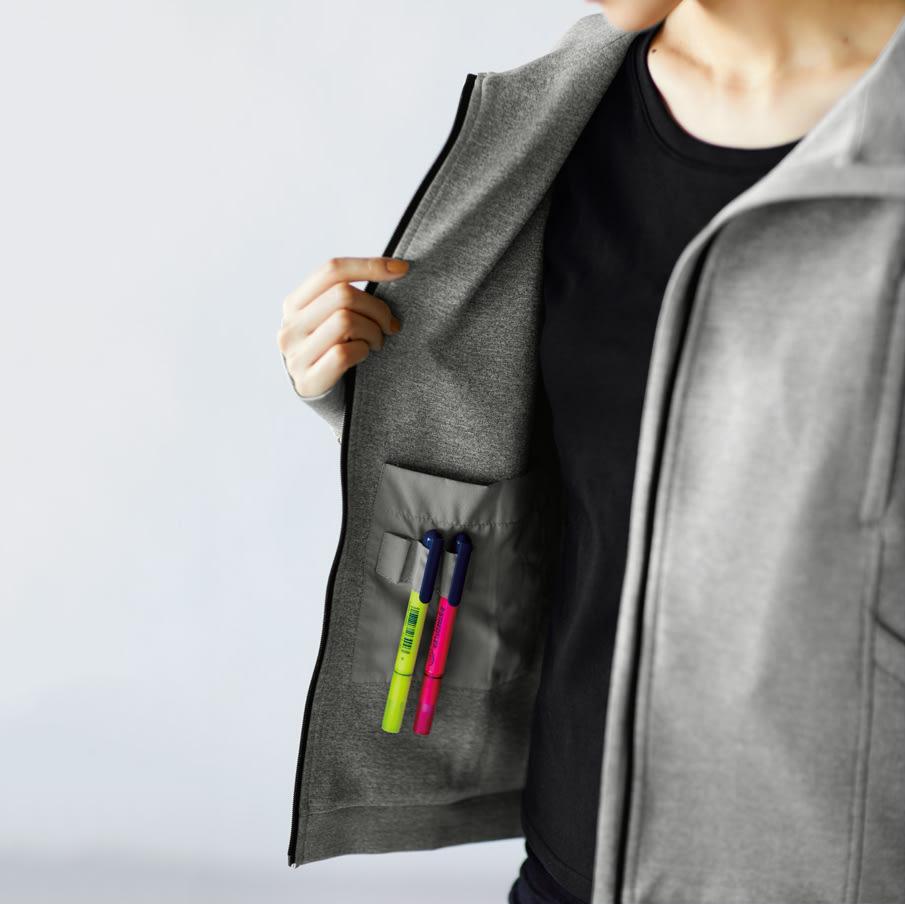 シルク混 のび~るシリーズ ロゴTシャツ(カップ付き) (イ)ブラック コーディネート例