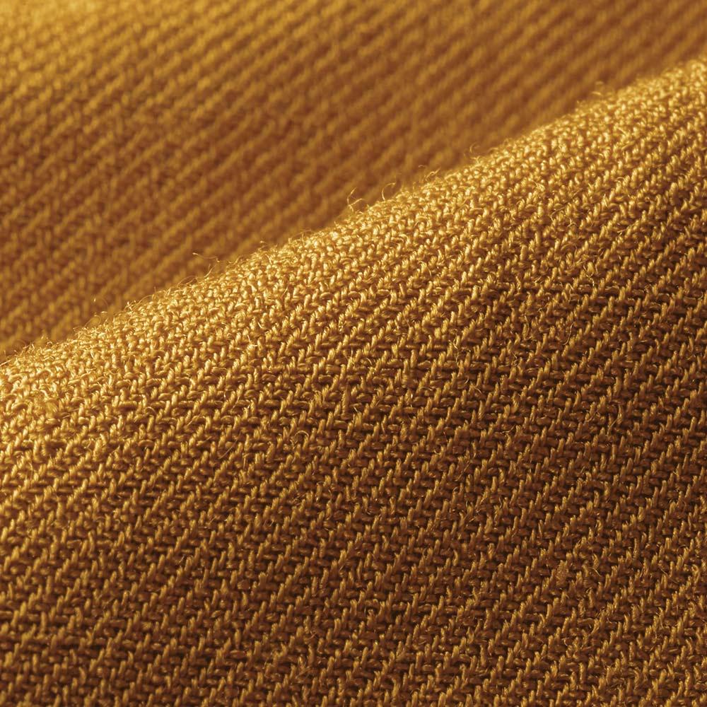 (股下丈73cm)トリアセテート素材 ラップ風 ワイドパンツ 生地アップ