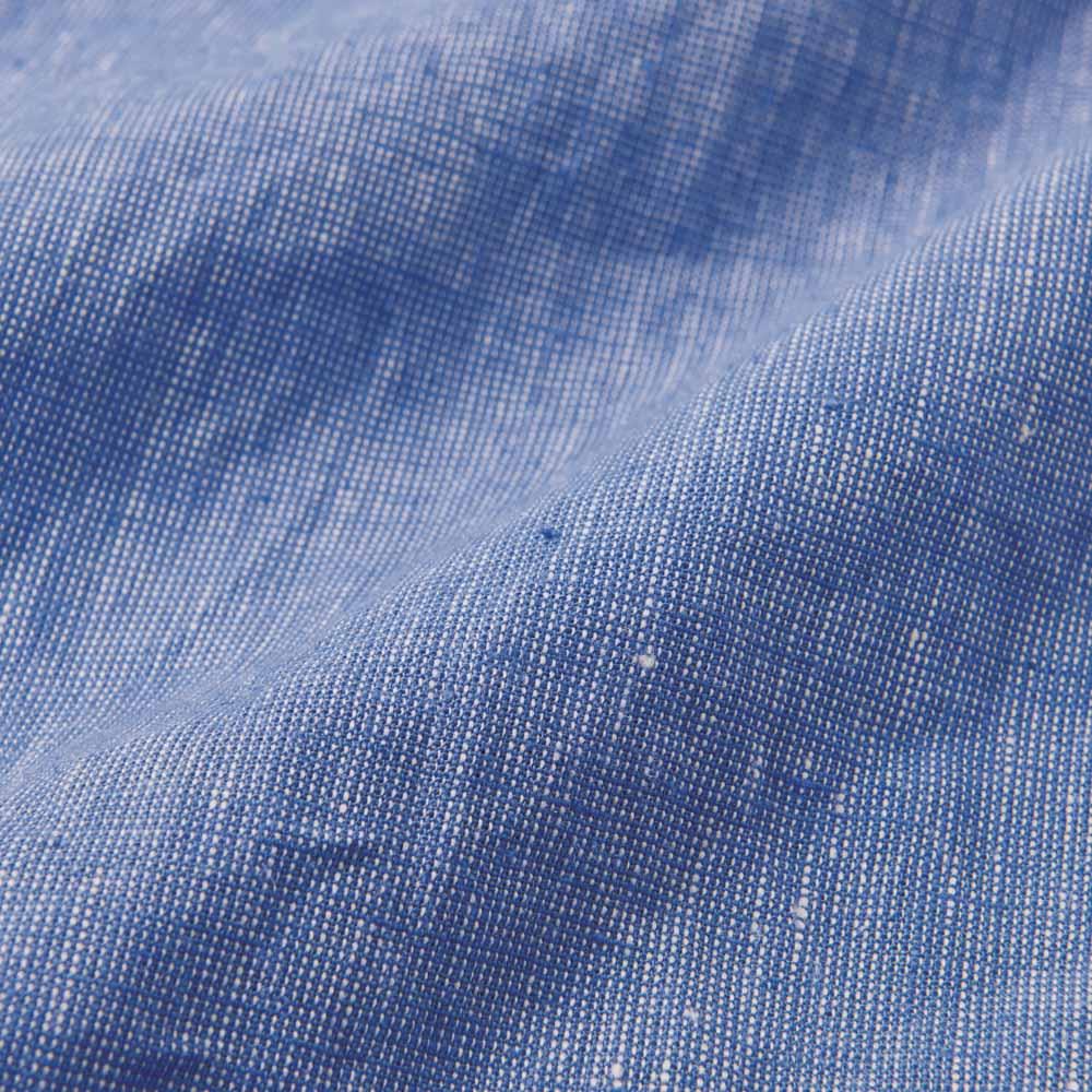 リネンコットン ハケ目 カジュアルシャツ 柔らかなフレンチリネン混素材をハケ目織りにし、リネン特有のフシやネップが表情のある雰囲気に。
