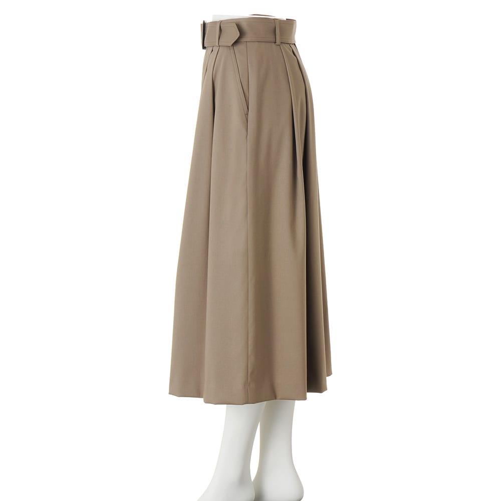 ボタンデザイン フレアースカート