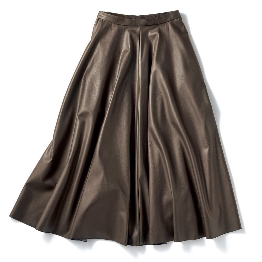 シンセティックレザーフレアースカート