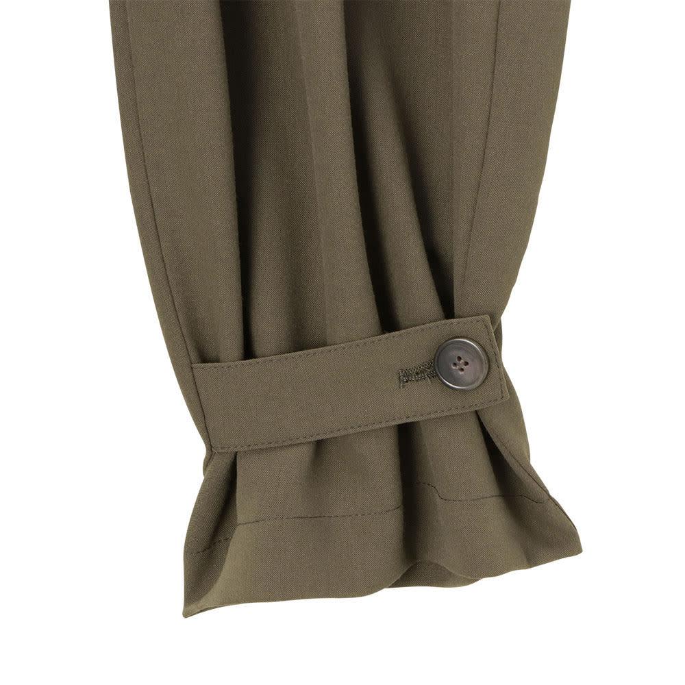 ダブルクロス タブベルト付き2WAYプルオンパンツ 裾のタブベルトを留めて