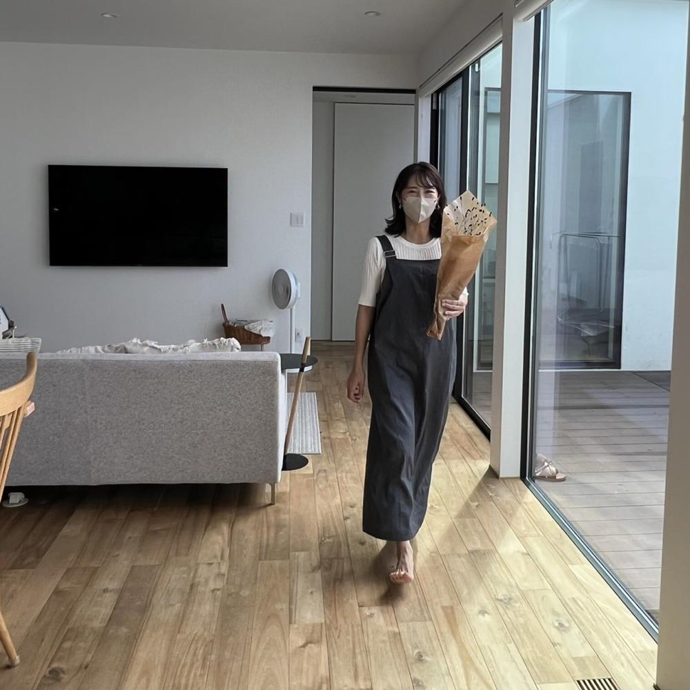 綿麻 シャンブレー ツイル ジャンパースカート 肩紐は調整可能。