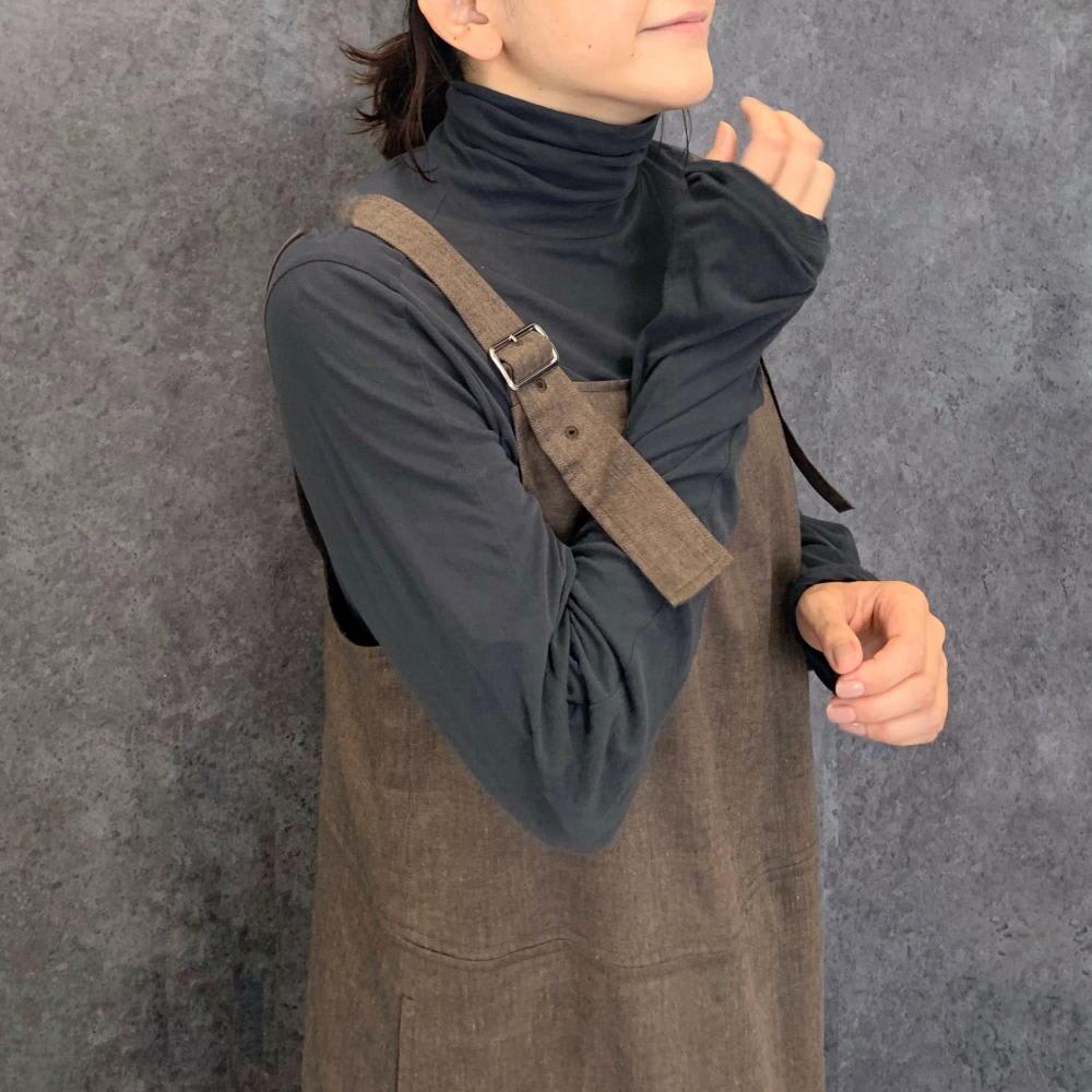 コズモラマ天竺 タートル プルオーバー 袖はやや長めなところがポイント。
