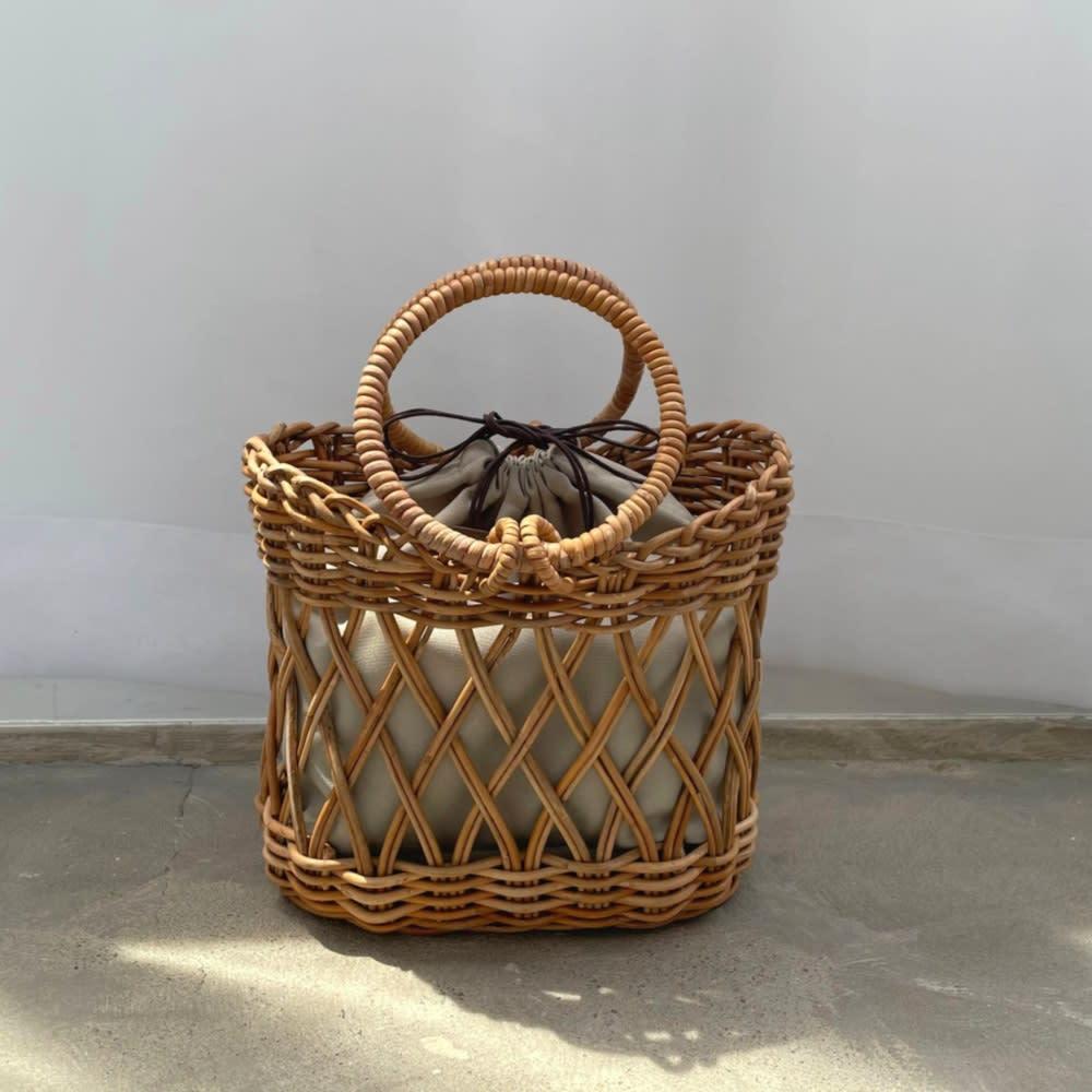 Cachellie/カシェリエ アラログ 透かし編み かごバッグ ポリエステルの巾着をセット