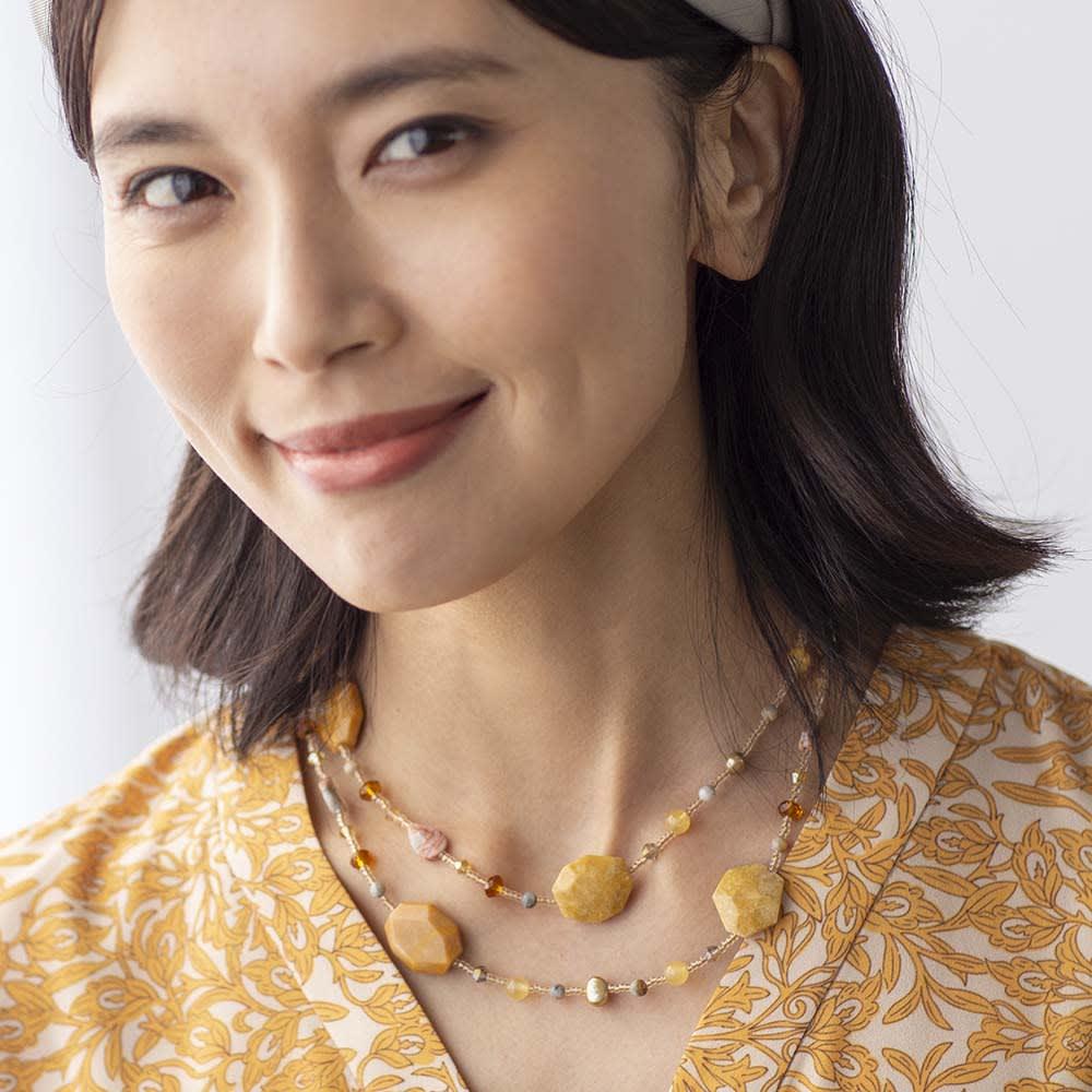 YUKIKO OKURA/ユキコ・オオクラ イエロカラーストーン ロングネックレス(90cm) コーディネート例