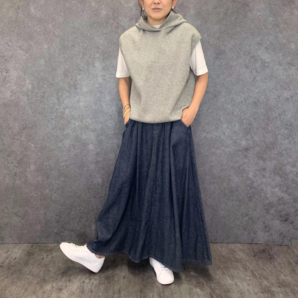 スムース編み ノースリーブパーカ グレー H156 着用サイズ:S-M