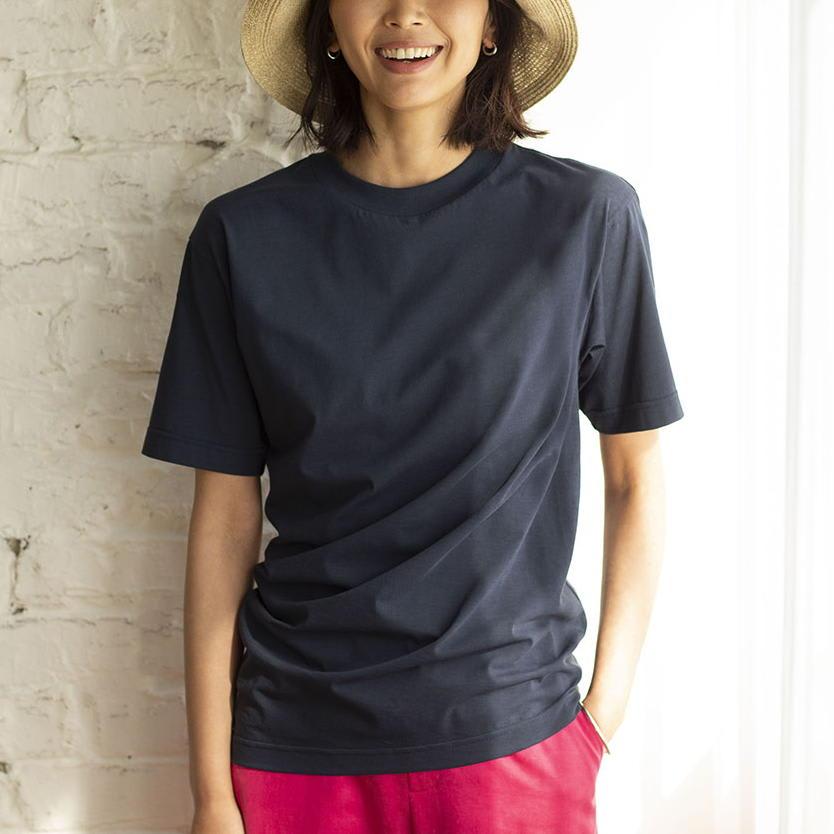 インド超長綿 テクノラマ ドレープ Tシャツ (イ)ネイビー H163 着用サイズ:M 体が入ると、斜めにドレープが生まれます。