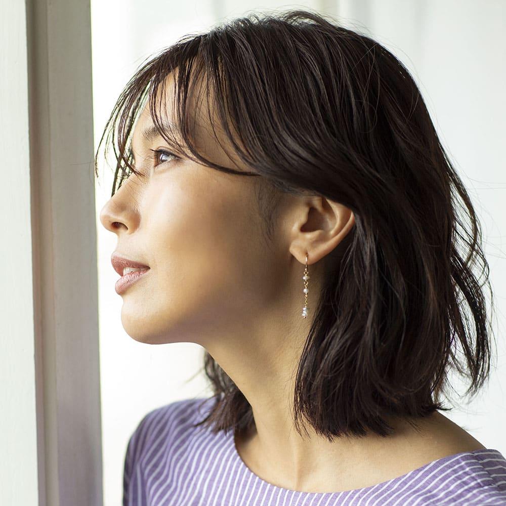 YUKIKO OKURA/ユキコ・オオクラ 淡水ケシパール イヤリング・ピアス (イ)ピアス 着用例