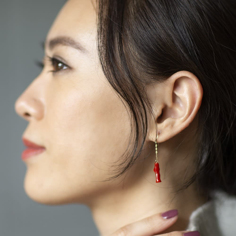YUKIKO OKURA/ユキコ・オオクラ  血赤珊瑚イヤリングピアス レディース ピアス 水牛・べっ甲・珊瑚