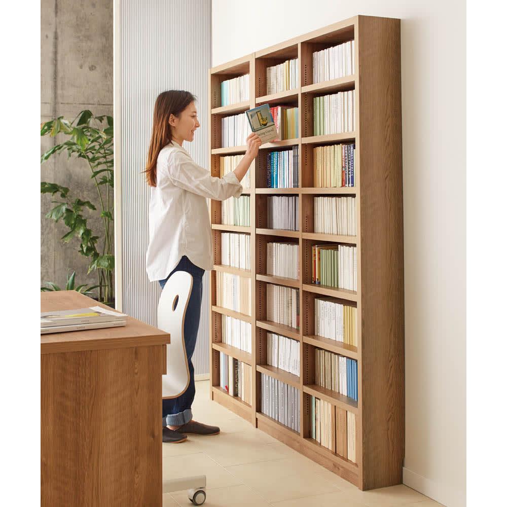 【レンタル商品】組立不要 天然木調棚板頑丈本棚 幅40奥行19cm 扉がないので検索性が高く、本を選ぶのが楽しくなります。ご自宅にあなただけのホームライブラリーを。