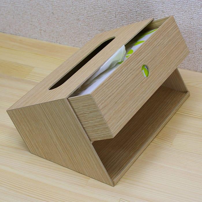 バスク 小物収納できるティッシュボックス/ティッシュケース  (ア)ナチュラル ティッシュボックスの格納はスライド式で出し入れ簡単です。裏面には小物が収納できるスペースもあり、スペースセービング。