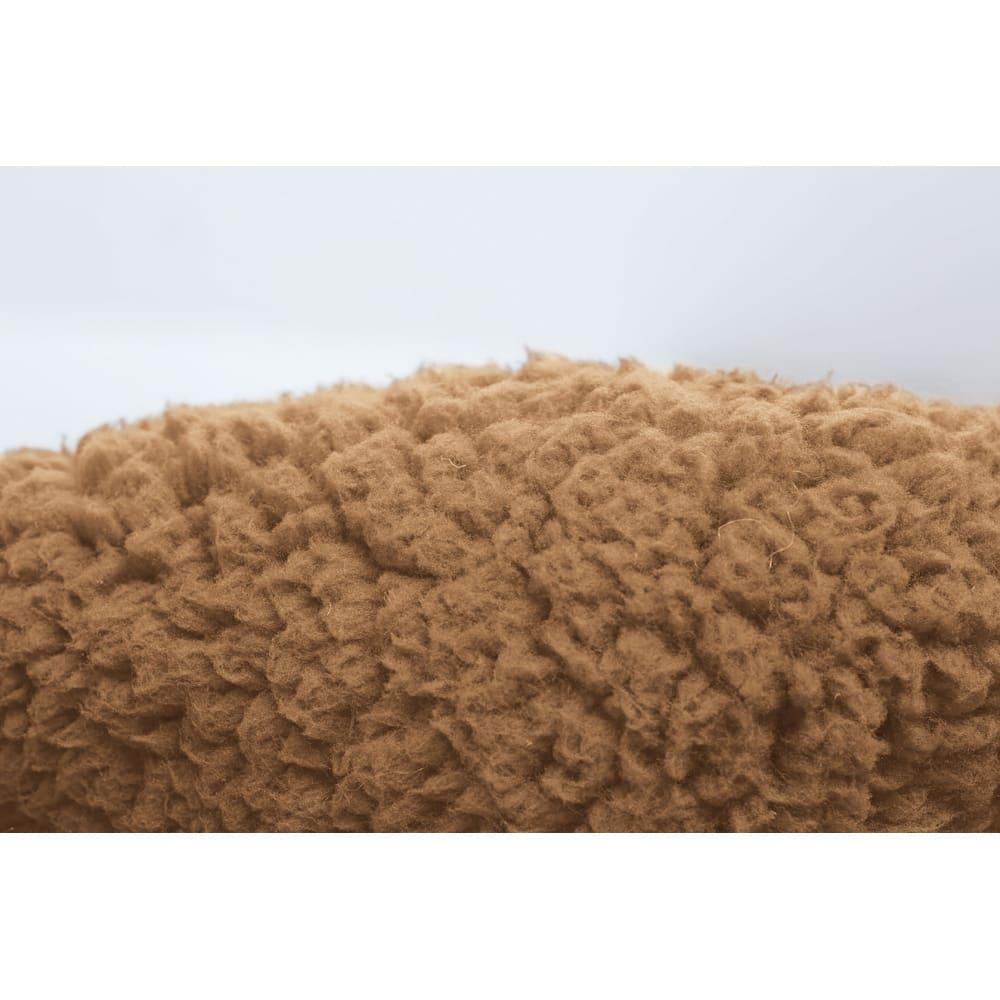 腰すっぽり座れるキッズ毛布 ふわふわの肌触り。
