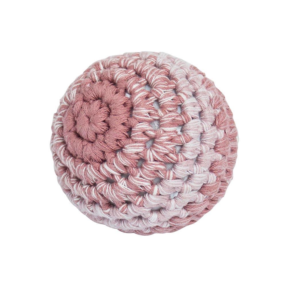 sebra(セバ)/ボールの手編みラトル Sサイズ|ベビー おもちゃ (イ)ピンク