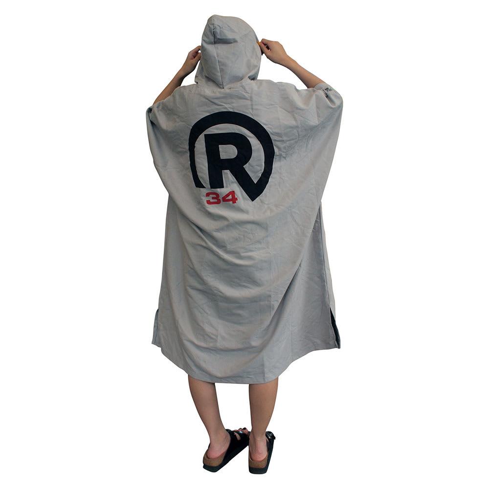 RealBvoice(リアルビーボイス)/Rプリントマイクロファイバー ユニセックスポンチョ 着用イメージ/Back