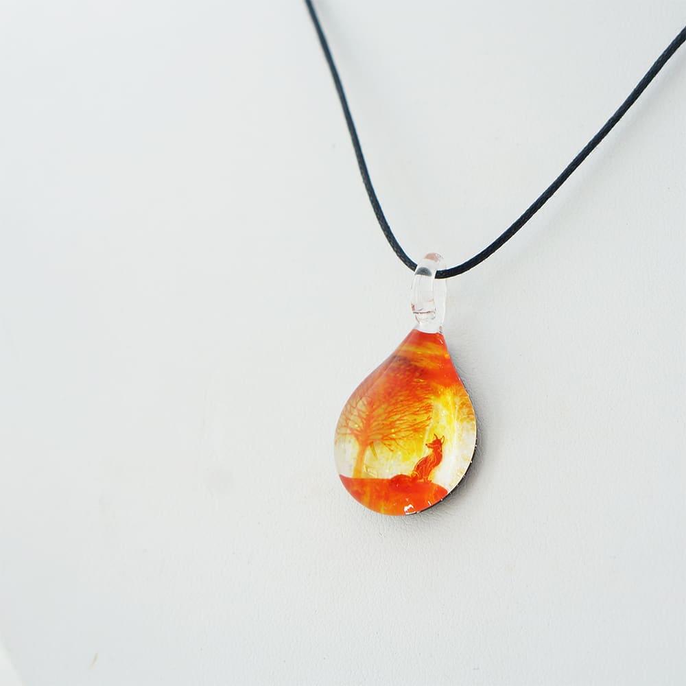 日本製ハンドメイドグラスジュエリー ノースワングラスジュエリー/SUNSET FOXネックレス