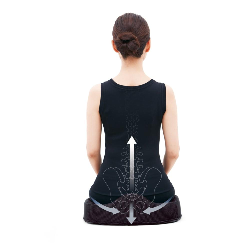 COGIT(コジット)/ロングドライブ腰対策クッション 立体形状が骨盤を立て、正しい姿勢に
