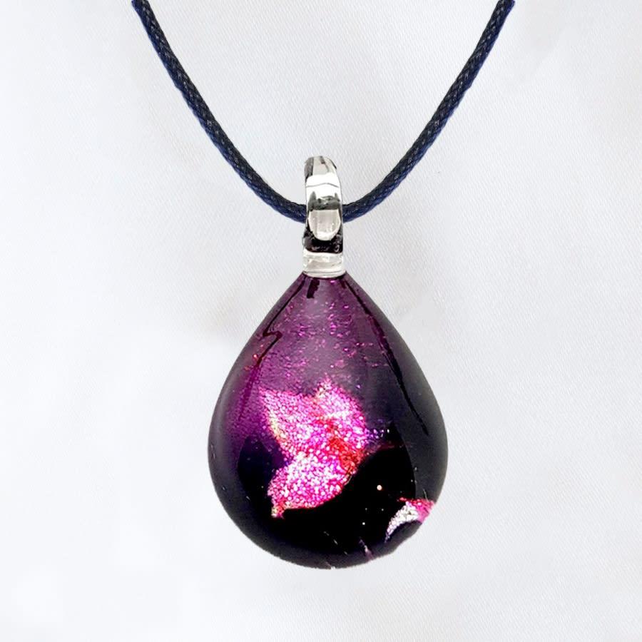 日本製ハンドメイドグラスジュエリー|ノースワングラスジュエリー/Purple Butterfly ドロップネックレス