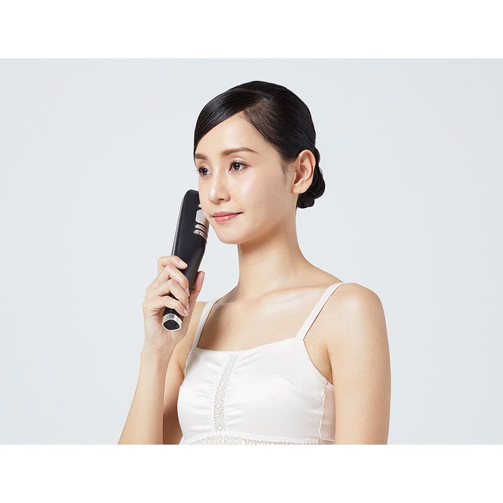 キャビスパ360 ●フェイスモード ボディだけでなく顔の肌引き締めにも使えます。