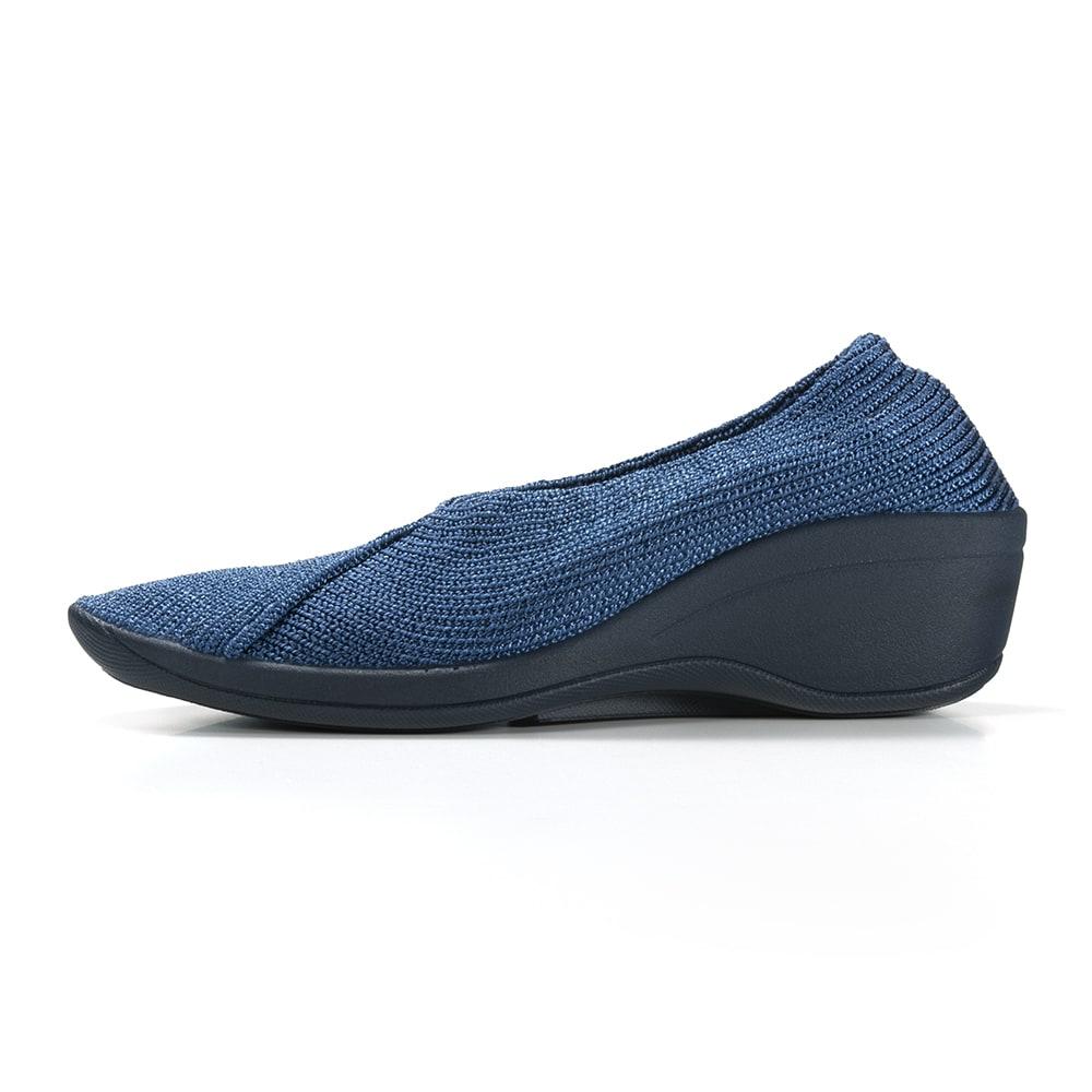 ARCOPEDICO/アルコペディコ ニットパンプス(マイル) 靴底が厚く、クッション性の高い特殊なソールを採用。衝撃をやわらげて、疲れにくい。