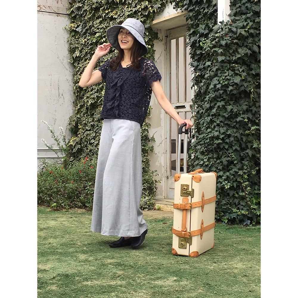 ベル・モード フレンチリネンUVケア帽子 (ア)ブラック…シックな旅スタイルにぴったり!軽く、折りたためるので、持ち運びも便利。