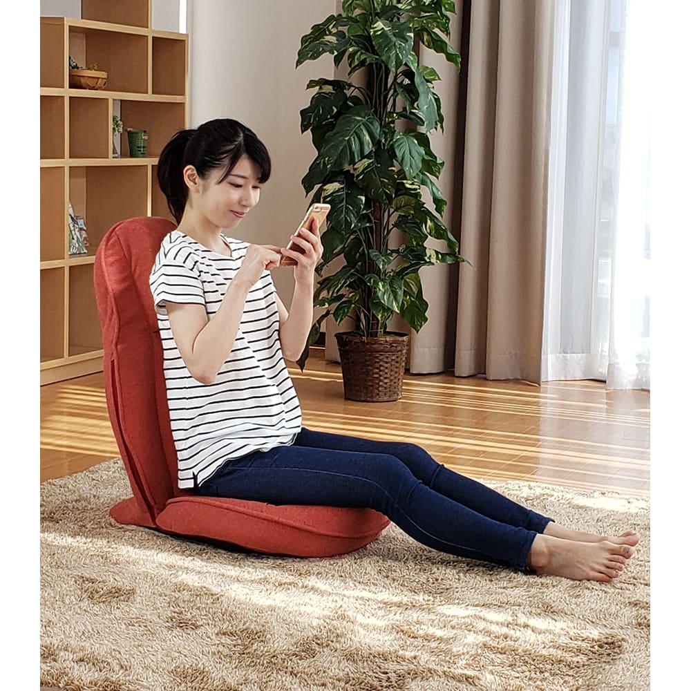 スリム座椅子 ピラトレ 座椅子型のメリットは「電源」がいらないこと。高い機動力で、おうちのどこでも座る時間がエクササイズに