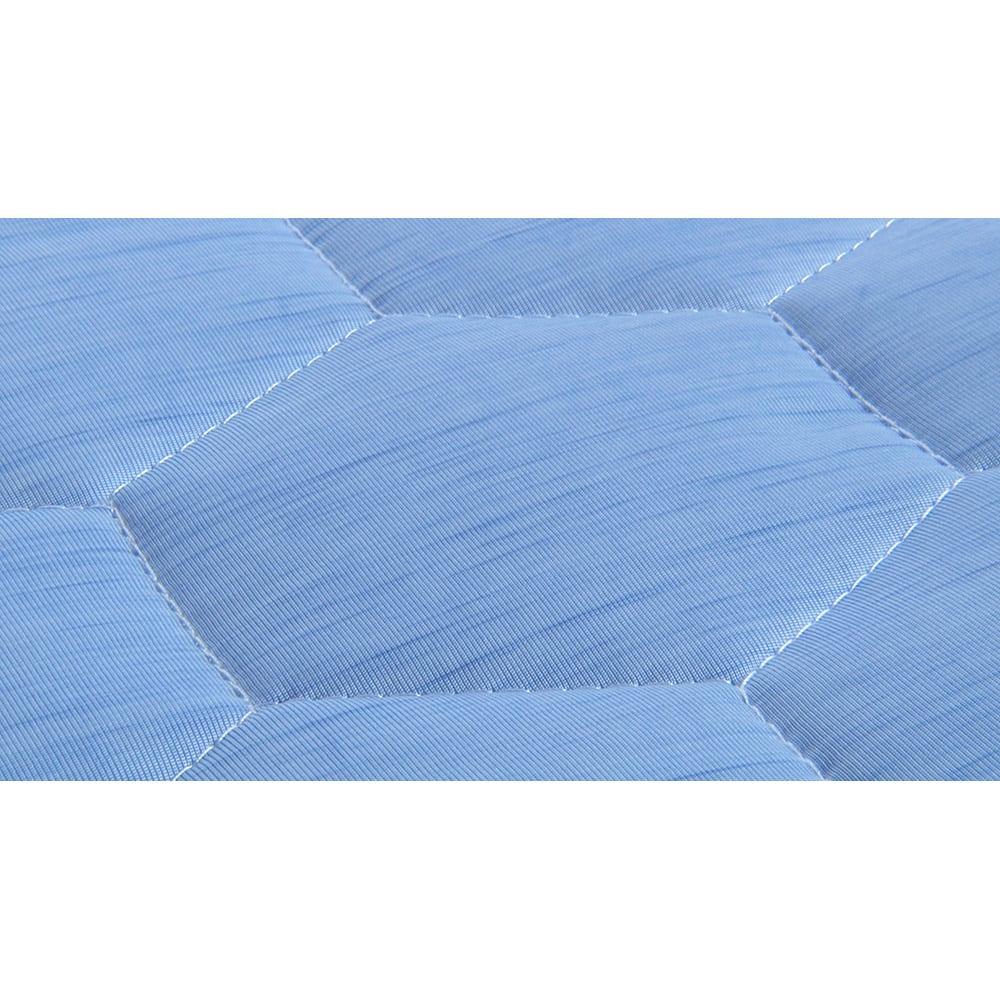 ひんやり除湿寝具 デオアイス 敷きパッドNEO(シングル) キルトの縫い目部分に、アンモニアなどの汗臭さの原因となる成分を分解する消臭糸※を使用。汗臭さを気にせず寝られます。(※アンモニア・イソ吉草酸・酢酸の消臭データに基づく。(ボーケン調べ))